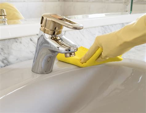 how to clean gold faucets and bathroom fixtures