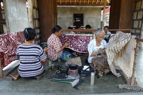 ebay wikipedia indonesia file women making batik ketelan jpg wikimedia commons