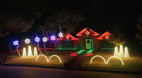family home lit up by incredible dubstep christmas light show