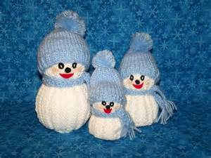 You have to see knitted snowman family on craftsy