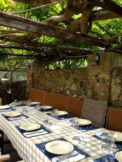 rustic  romantic patio design ideas  backyards