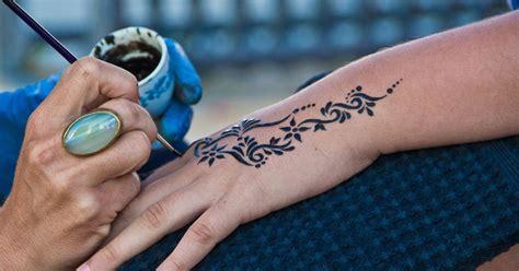 places to get henna tattoos the dangerous reason you should never consider getting a