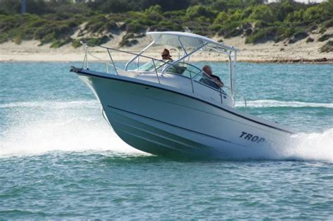 trophy boats reviews trophy 2152 walk around boat review boats online