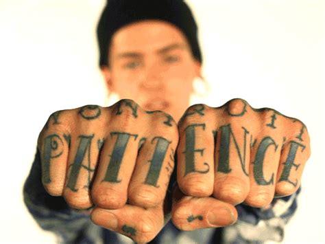 neck tattoo t mills t mills sus tatuajes e piercing