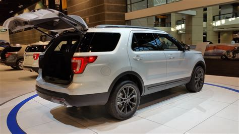 2017 ford explorer review new 2017 ford explorer price photos reviews safety ratings