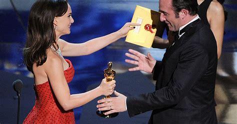 jean dujardin best actor 2012 oscars jean dujardin wins best actor oscar for the