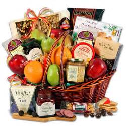 christmas gift basket ideas gift giving ideas giftbook