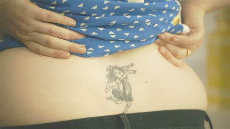 lena dunham tattoo it s me hilary the who drew eloise debuts on hbo