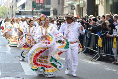 who celebrates s day columbus day a celebration of heroism patriotism and