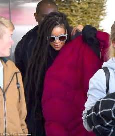 faux dreads nyc rihanna shows off dreadlocks after flying back to new york