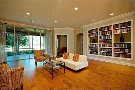 stunning living rooms 23 stunning living rooms with crown molding page 5 of 5