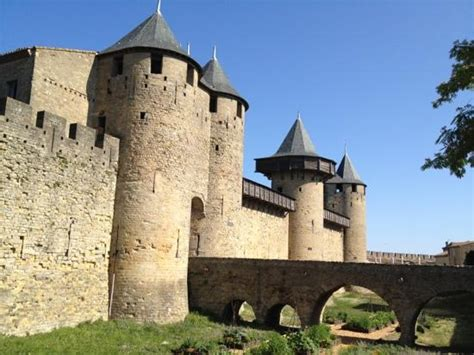 old castle entrance to the old castle inside picture of carcassonne