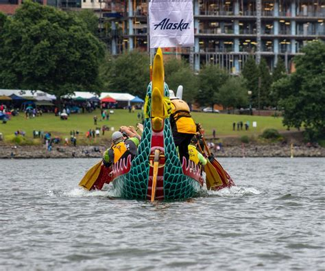 dragon boat festival 2018 kaohsiung photos teams from around the world compete in 2018 dragon