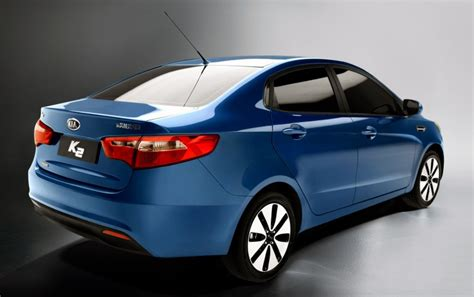 Blue Kia Blue Kia K2 With Chrome Alloy Wheels Looks Cool مصر