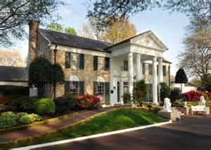 graceland mansion graceland tours elvis presley s mansion