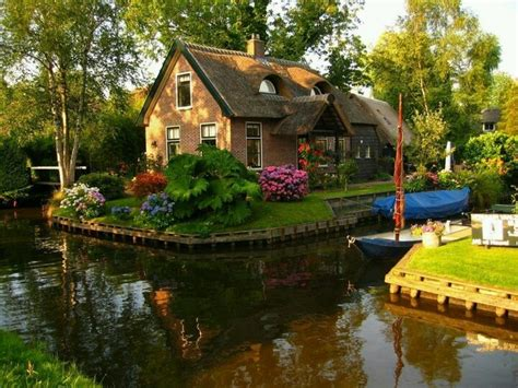 cottages on the water chalet en holanda i want a cottage on the water