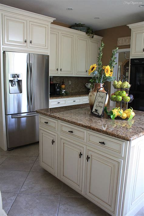 cream colored kitchen cabinets 23 elegant cream kitchen cabinets to get inspiration