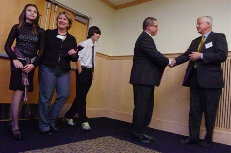 maine transgender bathroom maine pediatricians support transgender student s use of