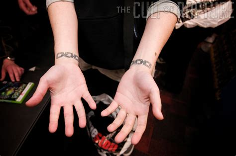 The Cult Of Rapture Bioshock 2 S Midnight Launch In San Bioshock Chain