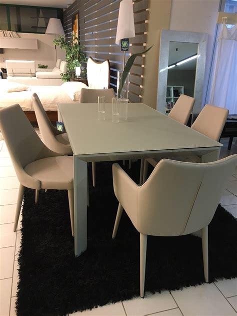 sedie per tavolo cristallo tavolo allungabile in cristallo temperato con sedie in