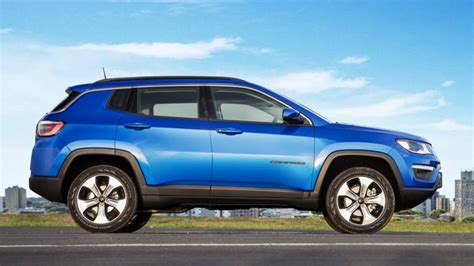 bmw jeep 2017 2017 jeep compass unveiled to rival the bmw x1 audi q3