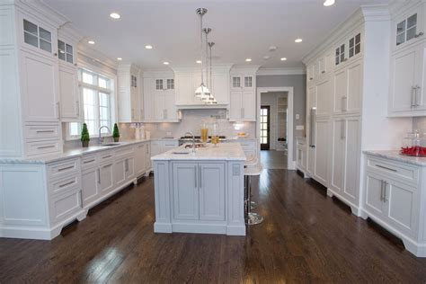 traditional kitchens with white cabinets 50 gorgeous kitchen designs with islands designing idea