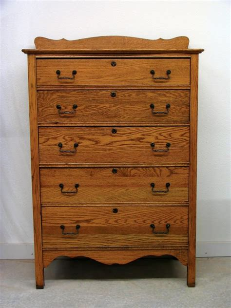How To Refinish Old Wooden Furniture: 12 Smart DIYs