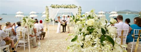8 Pros And Cons Of A Destination Wedding by The Pros And Cons Of A Destination Wedding