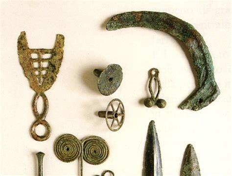 vasi funerari egizi najdbe iz neolitika arheolo紂ka pot bagnara di romagna