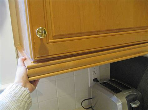 how to install molding on kitchen cabinets much kitchen cabinet molding sunshineandsawdust