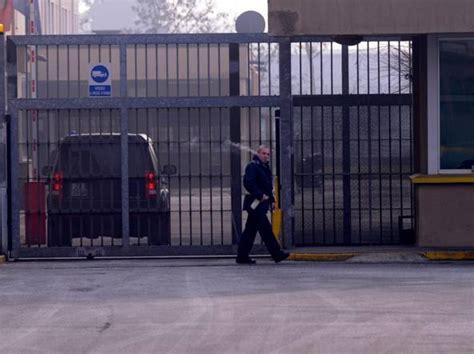 casa circondariale monza agente della polizia penitenziaria spacciava in carcere