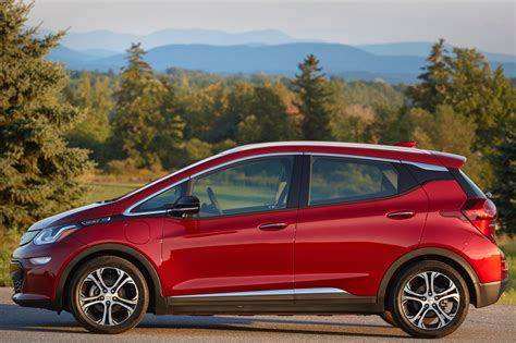 2019 Chevrolet Pictures by 2019 Chevy Bolt Ev Pictures Photos Images Gallery Gm