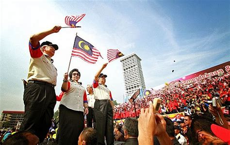 malaysians braced for election and its aftermath the