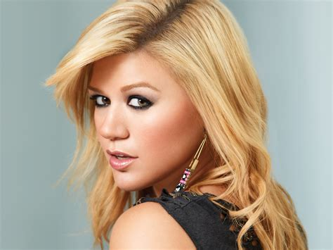 what does kelly clarkson hair look like the saga of jane austen s ring and the american
