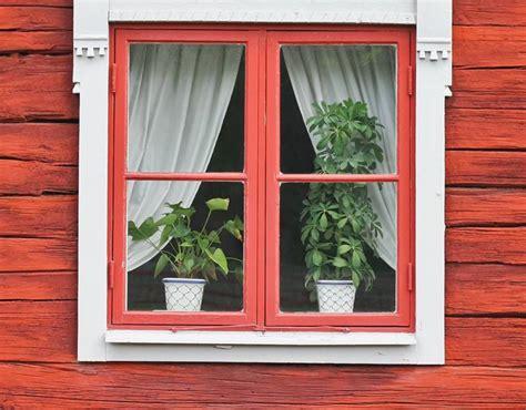 imagenes de jardines en ventanas reparar una ventana de madera pisos al d 237 a pisos com