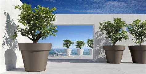 vasi per esterni design vendita vasi da giardino designperte it