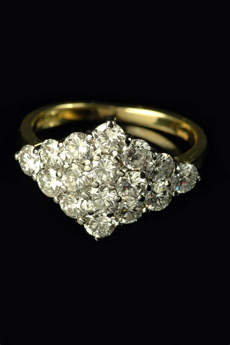 stunning 18ct yellow gold cluster ring goodwins