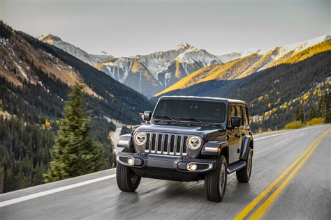 new jeep wrangler 2017 and 2018 new 2018 jeep wrangler jl debuts with 3 engine options