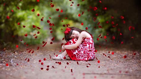 wallpaper cute girl rose petals cute