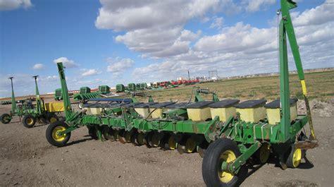 Tweet Deere 7100 Planter