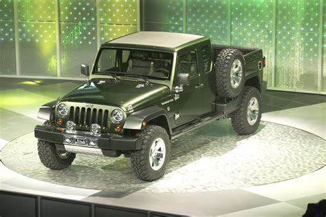 jeep prototype truck jeep gladiator 4 door pickup quot truck quot coming in 2013