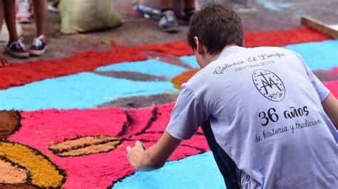 cientos de personas elaboran  devocion las alfombras mas grandes de el salvador elsalvadorcom
