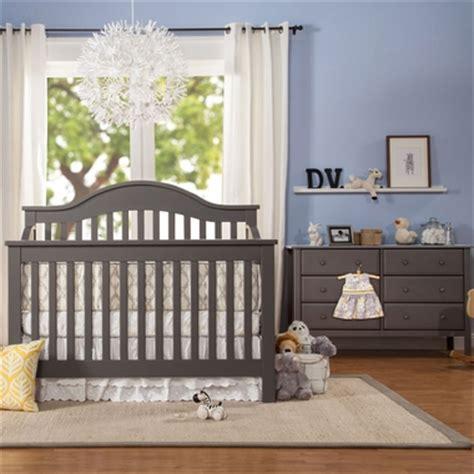 Davinci Nursery Furniture Sets Davinci 2 Nursery Set 4 In 1 Convertible Crib And 6 Drawer Dresser In
