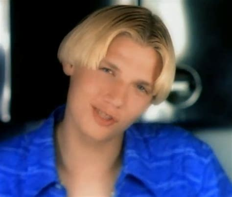90s boys haircut 90 s fashion trends that should never make a comeback