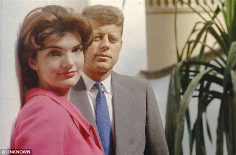 Jfk Oval Office by New Book Reveals How Marilyn Monroe Jfk And Liz Taylor