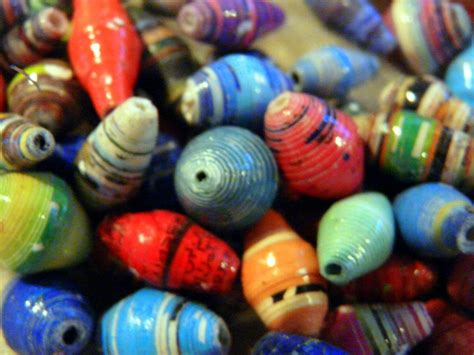 bead it from recycled paper to beautiful just a dot
