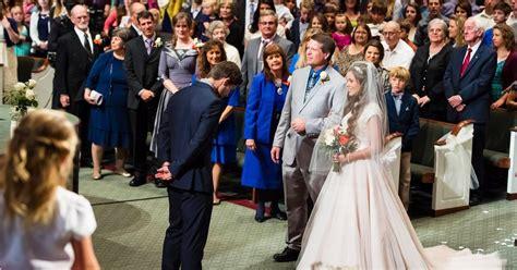 jessa duggar posts 100 wedding photos after ties
