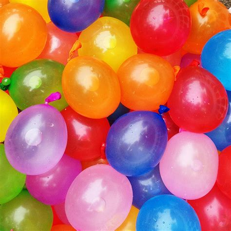 color water balloon fight 15 cool ideas for a balloon filled jewelpie