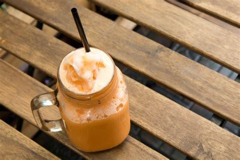 membuat thai tea dengan teh biasa bisnis minuman thai tea usaha modal kecil hasilkan ratusan