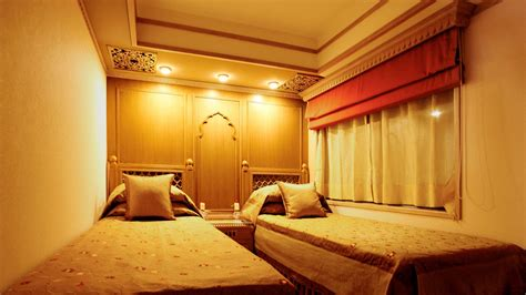 maharaja express bathroom palace on wheels india maharajas express train